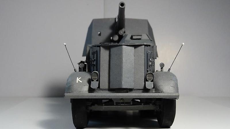 Selbstfahrlafette Sd.Kfz.8 mit Flak 18_4