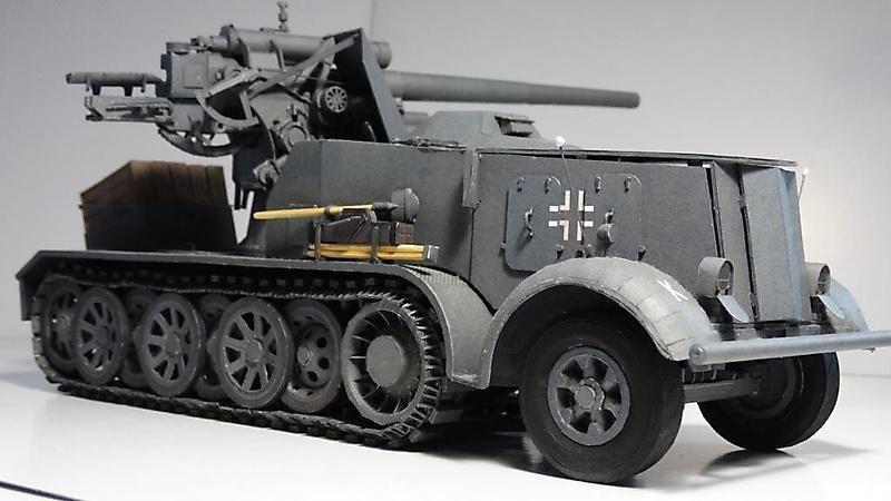 Selbstfahrlafette Sd.Kfz.8 mit Flak 18_6