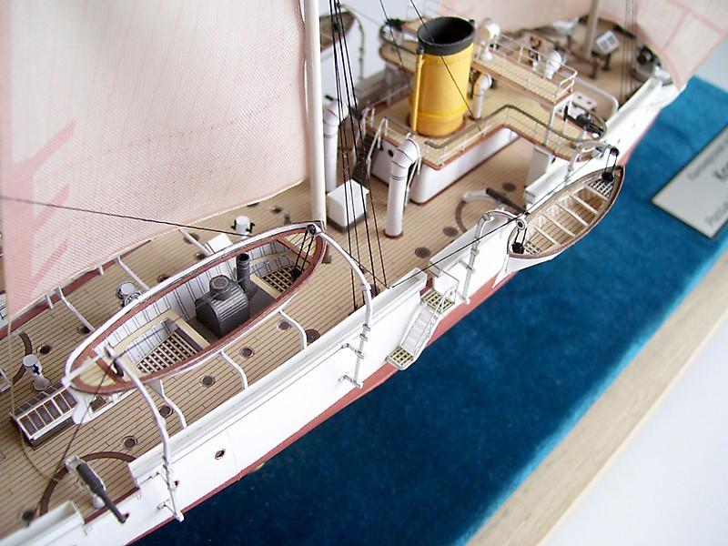 модель канонерской лодки карс